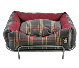 Bennington Burghley Dog Bed